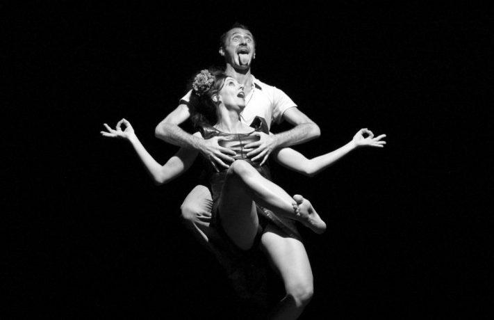 """""""Stanze"""", di R. Castello, in foto: Stefano Questorio e Barbara Toma, foto di Marcello Macchia (2009)"""