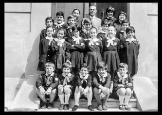 Foto di classe 1970-71, dall'Archivio Fotografico Terre Del Reno https://www.tdrarchiviofoto.com/foto-di-classe-1970-71