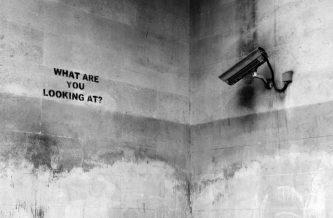 Banksy, Marble Arch, London, foto di Niv Singer - 'Unsplash'